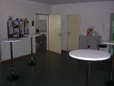 WB_Cafeteria_gross_006.jpg